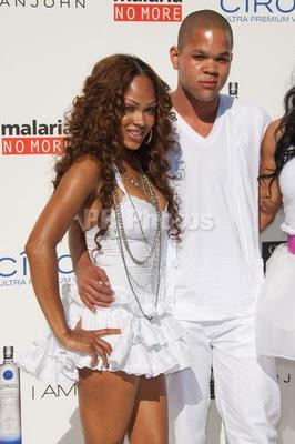 megg Diddy & Ashton Kutcher's All White Affair