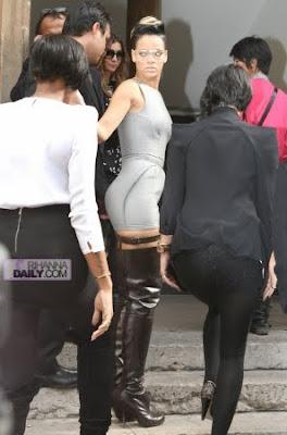 normal_008 Rihanna: The Paris Fashion Week Queen