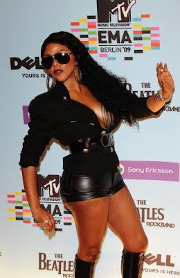 Award du Fashion Faux-Pas: Lil Kim aux EMA
