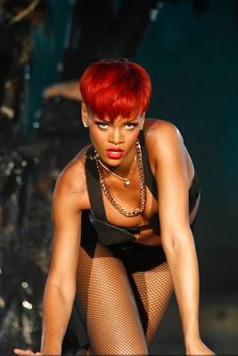 >Rihanna | Alerte Rouge