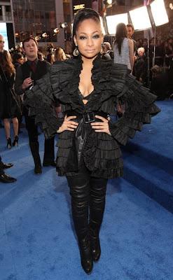 >Total look noir pour Raven Symone