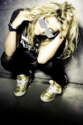 Kesha - Backstabber