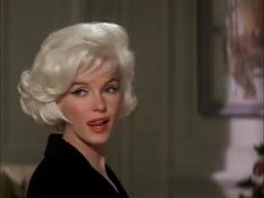 Monroe Coqueteandole a la camara