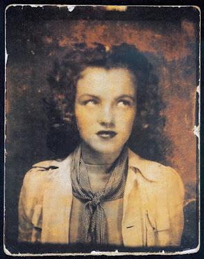 Norma Mortensen (Partida de Nacimiento) luego se registro apellido materno (Baker)