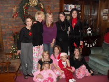Left 2 Right: Granny,Happy,Laura,Molly,Mamma,Meagan,Ali,Me,Cam,and Brian!!!