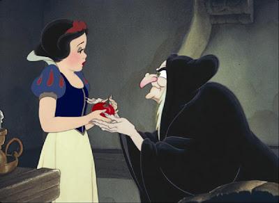 VIDEO Cronica de film: Alba ca Zapada si cei sapte pitici/ Snow White and the Seven Dwarfs VIDEO Cronica de film: Alba ca Zapada si cei sapte pitici/ Snow White and the Seven Dwarfs snow white4