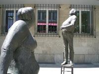 Meclis önündeki anıt - Foto: Aynur D.