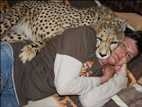riana bersama binatang