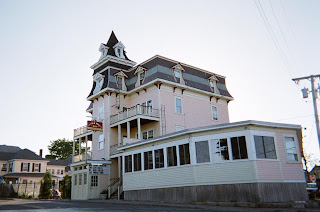 Victorian Inn Photo by SnaggleTooth summer 2007