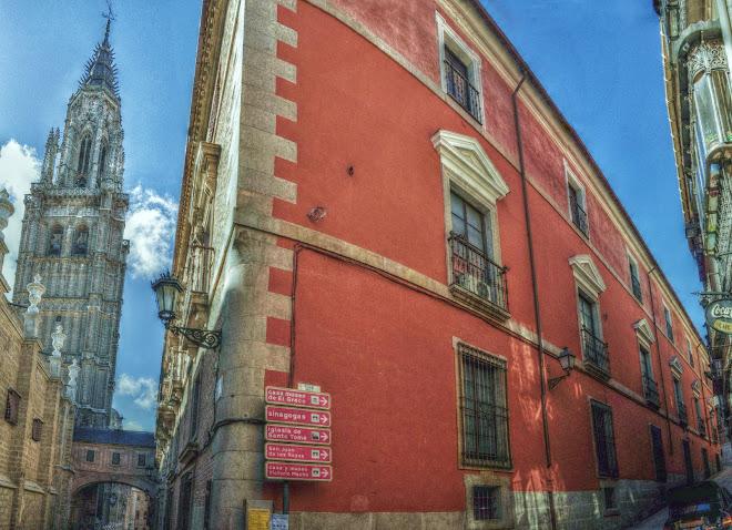 ESQUINA DE LA CALLE ARCO DE PALACIO LA TRINIDAD