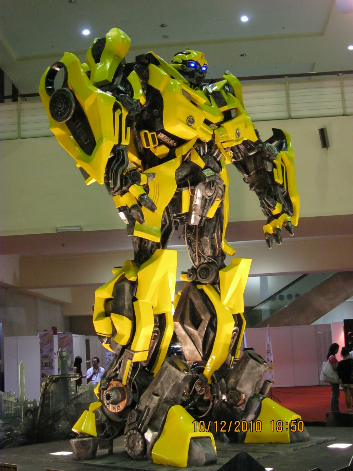 Lifestyle Concepts Real Bumble Bee Transformer In Kl