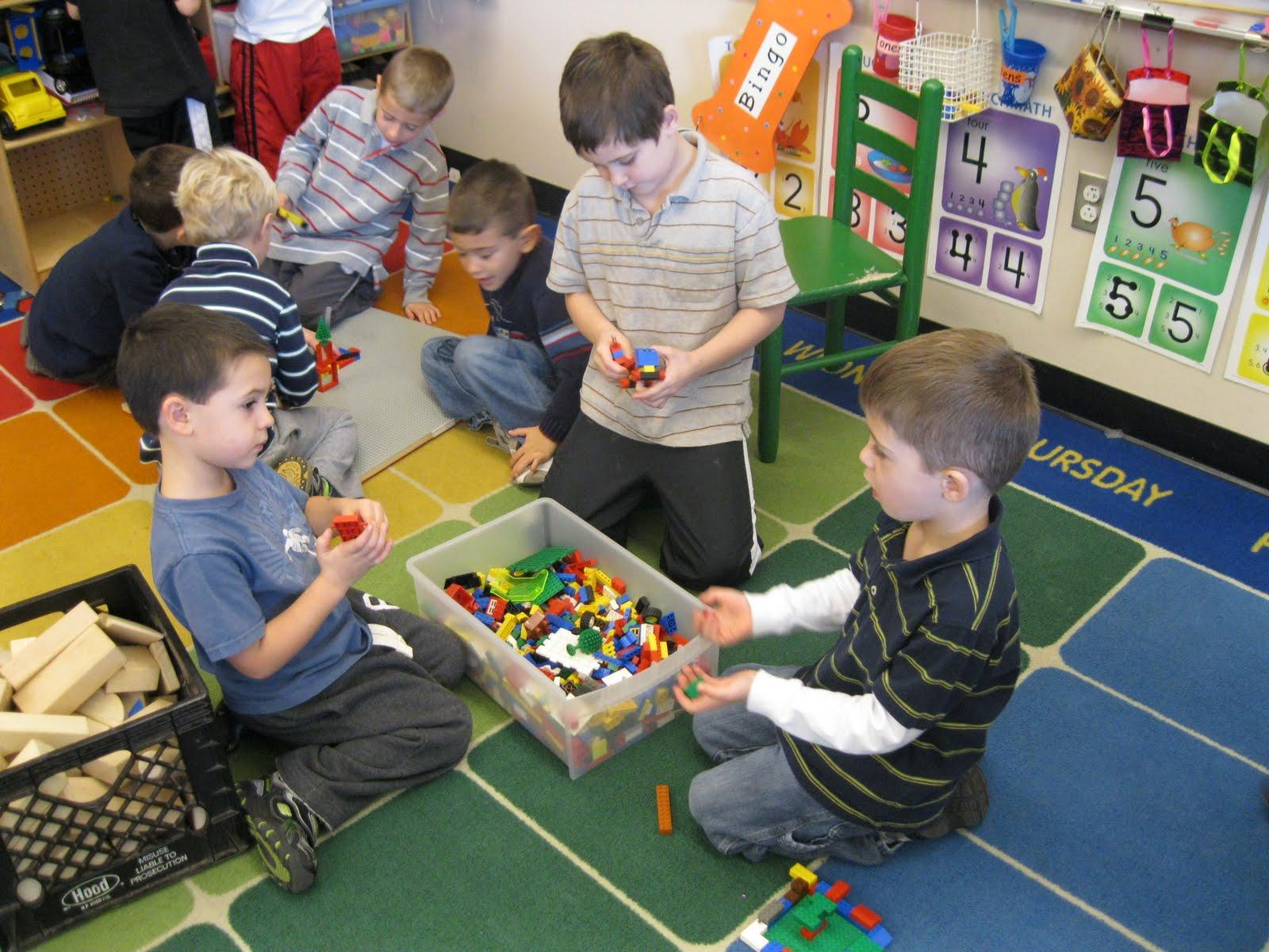 Kindergarteners+from+recess