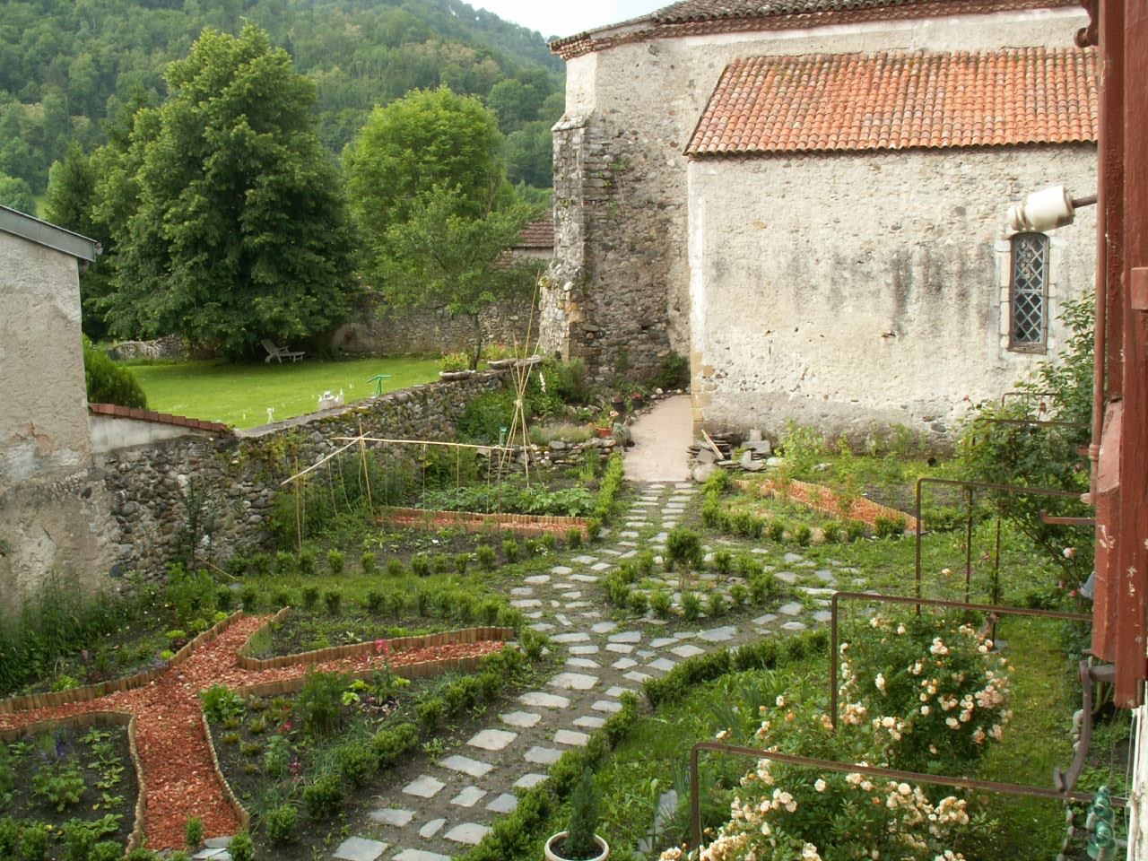 My french country home jardin de cur for Jardin potager