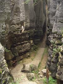 Hmuhnawm ka tih Stone Forest
