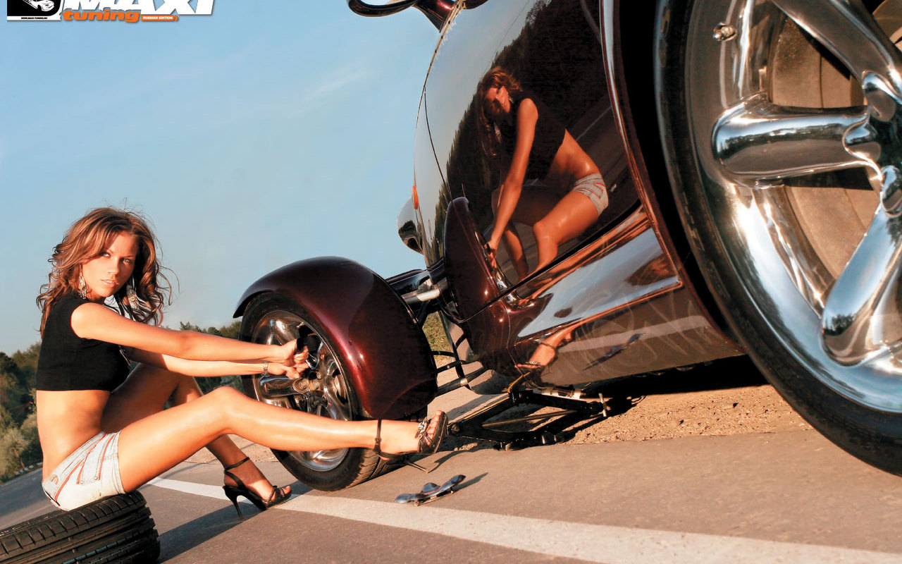 http://4.bp.blogspot.com/_YblkPPWly0I/TSz0_ciM6JI/AAAAAAAALUg/rXlmh_Gn55U/s1600/551744-1280x800-car_girls_wallpapers_maxi_02.jpg