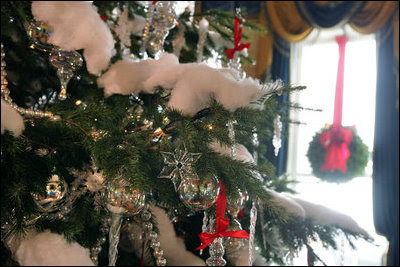 wh_xmas_tree_wreath