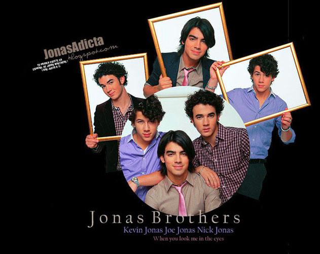 •TU PRIMERA FUENTE DE JONAS BROTHERS EN ESPAÑOL, 1 AÑO JUNTO A TI•