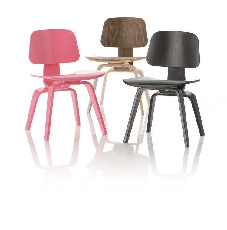 Interesting la versione mini della sedia lcw lounge chair for Tavoli di design famosi