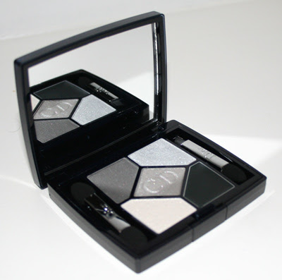 DiorPalletteGreyBlack Dior All In One Artistry Palette 008 Smoky Design   everything you need for a vamp smoky eye is in this palette.