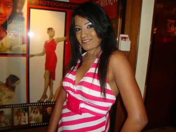 http://4.bp.blogspot.com/_YgVIy1rP_Kw/S_Da7elMYiI/AAAAAAAABNM/JUKq1ZEVmJA/s1600/Udarika+Sri+Lanka.jpg