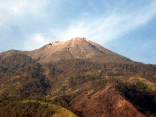 Gunung Tertinggi Di Indonesia (info-asik.com)