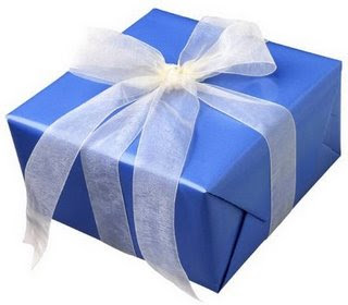 wrapped_present_box.jpg (320×280)