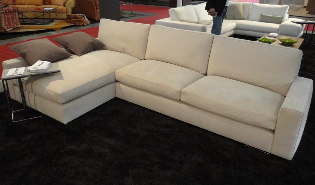 Concorde5 salotti e arredi divano in pelle nubuck - Devo buttare un divano ...