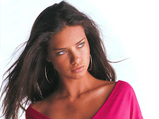 The Hot Model Adriana Lima photo