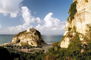 Italy Castle wallpaper