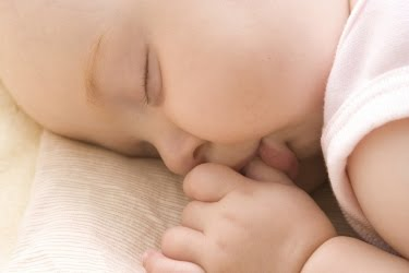 http://4.bp.blogspot.com/_Ym_vHNSotsU/TF_P6vUQBEI/AAAAAAAAAPM/CzYsHIC-wo8/S500/baby-sleep.jpg