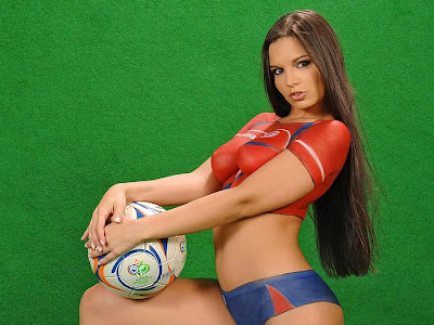 Body Paint Beautiful Soccer Babes - Green and Red Portugal