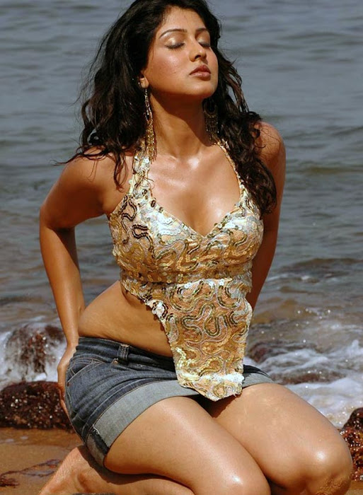 sheryl brindo spicy at beach actress pics