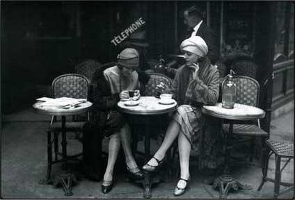 http://4.bp.blogspot.com/_YslRvakA8sM/TIvDN0UjUdI/AAAAAAAAAb8/EqOO-PWRxak/s1600/paris-cafe-1925.jpg