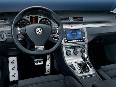 Volkswagen-Passat-R36-interior