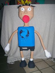 Mascote feito pelo artista Tubarão