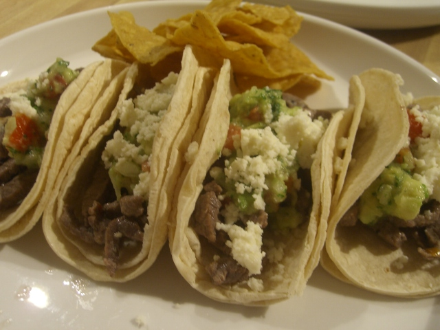 mommypipsqueak: Carne Asada Tacos for Dinner!!