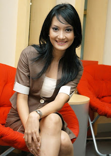 gambar foto hot artika sari devi indonesian artist photos pictures gallery