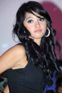 poppy bunga foto gambar seksi artis cantik indonesia photo gallery