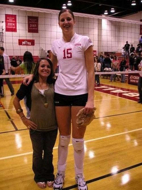 http://4.bp.blogspot.com/_YyXZ9LFygq0/THtItK6K0-I/AAAAAAAAAkY/NAzazPLNubM/s1600/Tall-Girls-From-Around-the-World-007.jpg