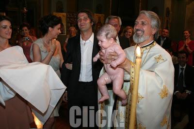 Cristi si Adelina si-au botezat fetita