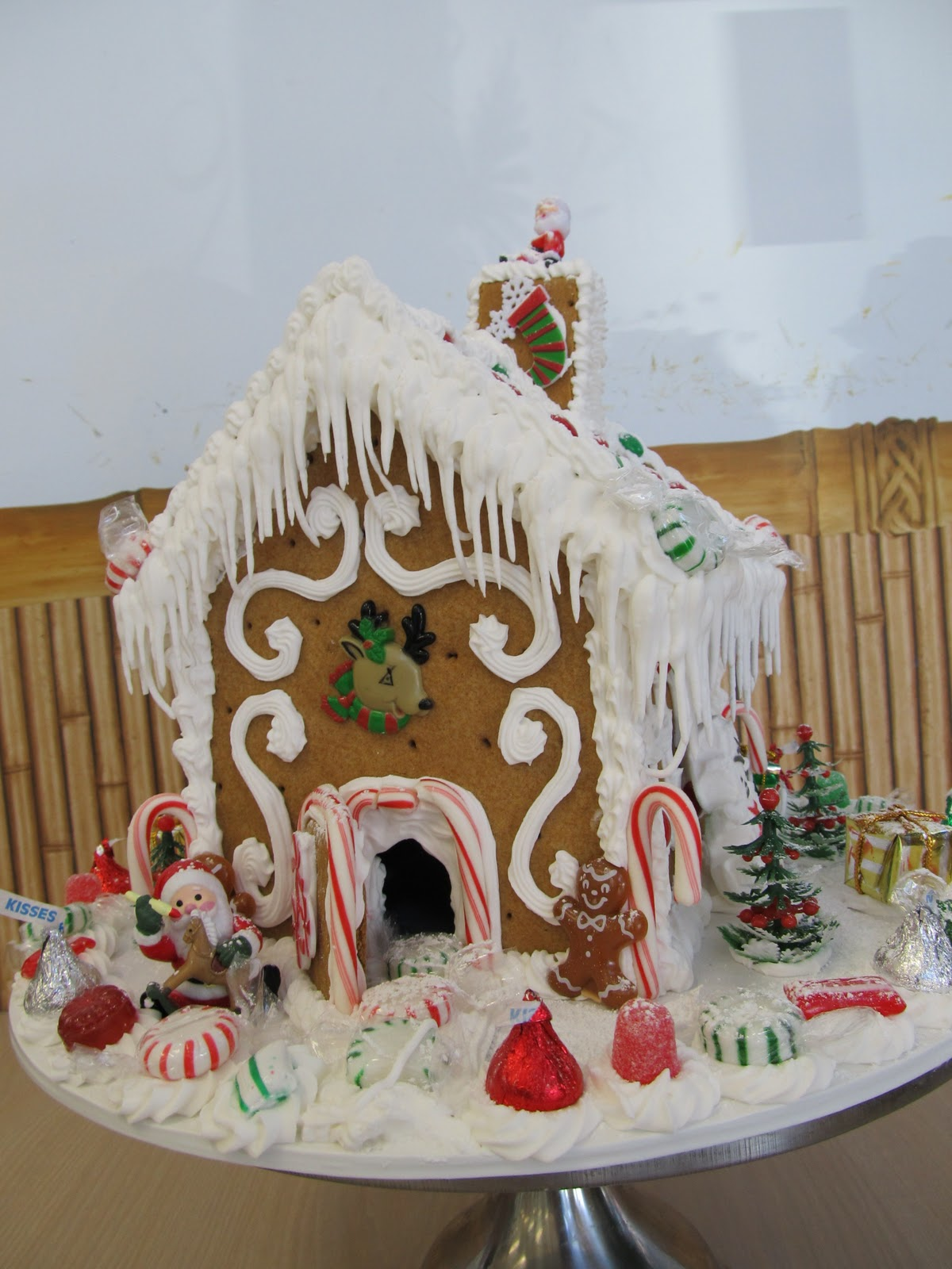 Ontario Bakery: Build your own Gingerbread house!!!!