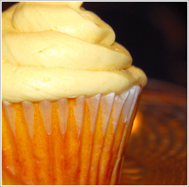Mango Cupcakes with Mango Buttercream Frosting, vegan recipe