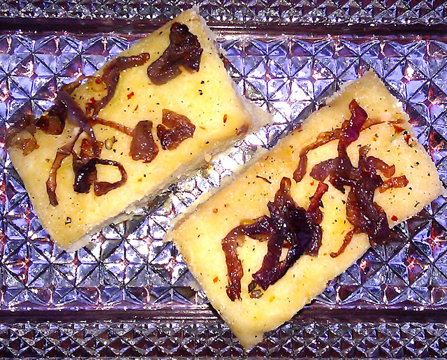 focaccia with caramelized onions