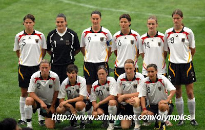 German Girls on German Women S Olympic Football Team Pose For Photos Before