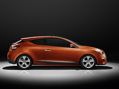 Car News: 2009 Renault Megane Coupe U.K. pricing announced