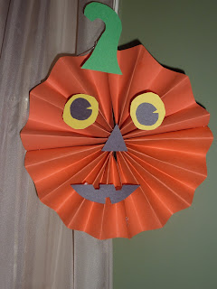 paper crafts for halloween: hanging decorations