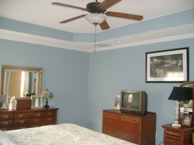 Large Master Bedroom With Tray Ceiling Crown Molding Original Paint