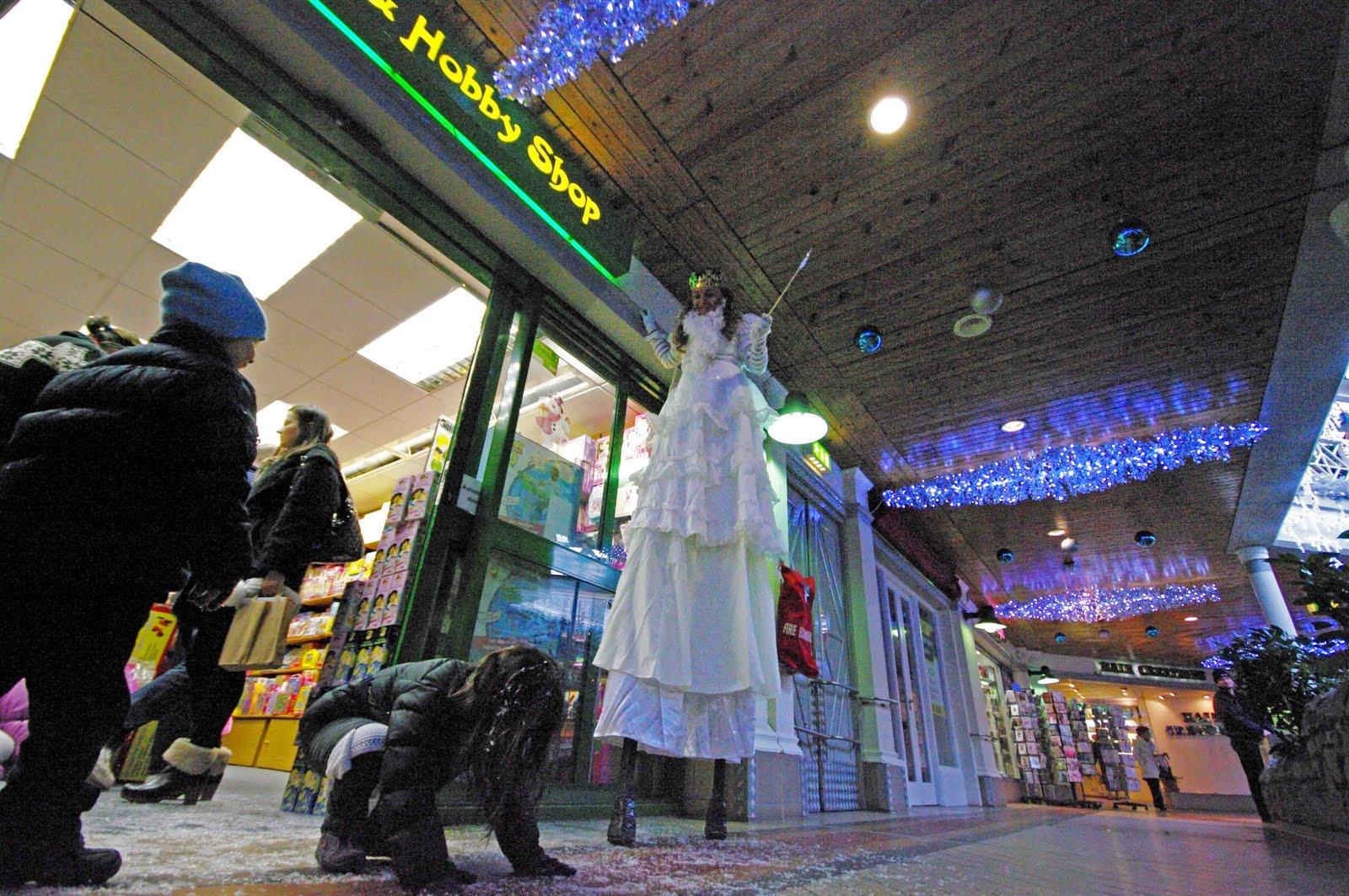 http://4.bp.blogspot.com/_Z2Q-GrUoY5U/TQ3rGgAOSCI/AAAAAAAAAPI/P1qxI7u34ZY/s1600/giantess.jpg