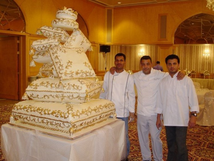 Watch Amazing Wedding Cakes online for free Get the latest Amazing Wedding