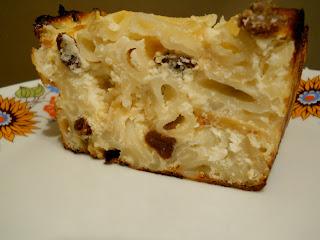 Articole culinare : Macaroane cu branza dulce si stafide